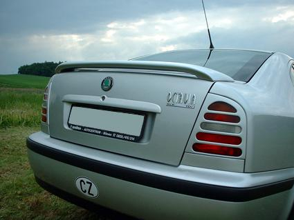 Křídlo Škoda Octavia
